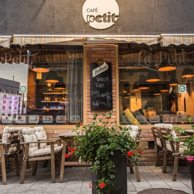 Le Petit – Caffe & Bar & Food